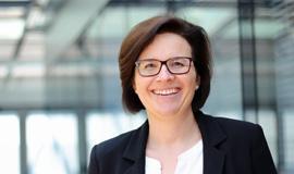 Dr. Christine Platzer